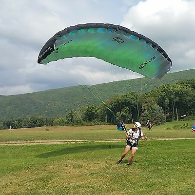 NEW Paraglider to practice kiting skills - The GROUNDHOG is for ground-handling