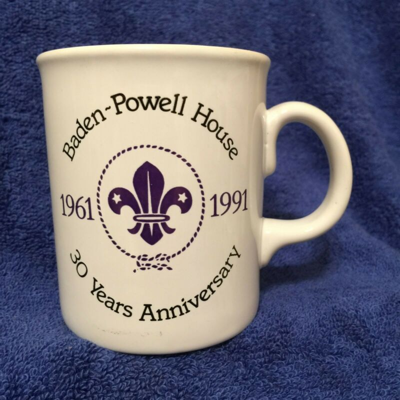 Scouts Mug BP Baden-Powell House 1961-1991 30th Anniversary - world crest