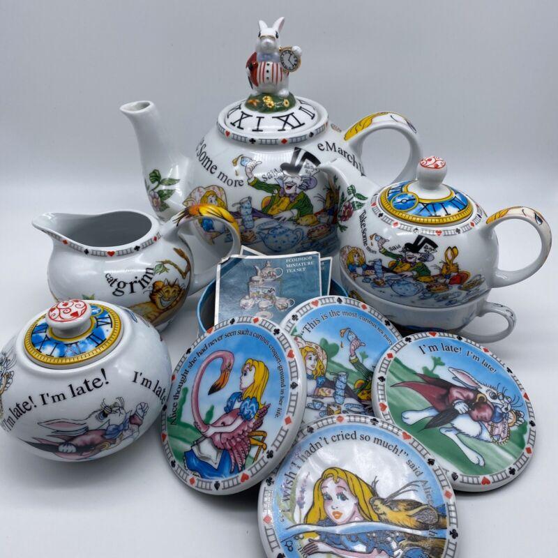 Paul Cardew Classic Alice in Wonderland Mad Hatter 5 piece ceramic tea set