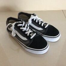 """Sneaker, original Vans basically """"NEW"""" ( black/ grey) North Willoughby Willoughby Area Preview"""