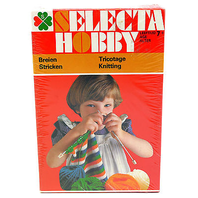 VTG Selecta Hobby Small Knitting Kit for Children Age 7+ Made in Holland #7421