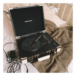 crosley record/turntable player