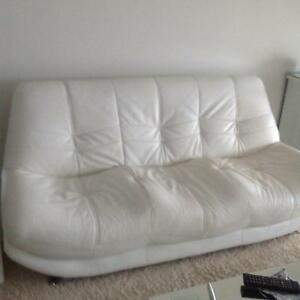 WHITE LEATHER SOFA Coombabah Gold Coast North Preview
