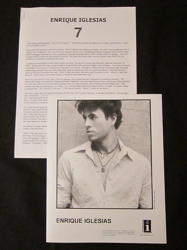 ENRIQUE IGLESIAS '7' 2003 PRESS KIT—PHOTO
