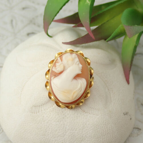 Vintage Genuine Shell Carved Cameo 10K Yellow Gold Pin Brooch Pendant 4.8 Grams