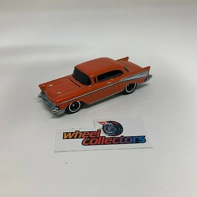 '57 Chevy Bel Air w/ Rubber Tires * Hot Wheels Diorama LOOSE 1:64 * F1186
