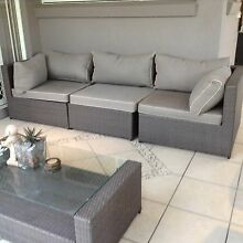 Wicker lounge setting with matching coffee table Calamvale Brisbane South West Preview