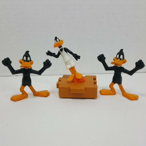 Daffy Duck Figurine Trio Basketball