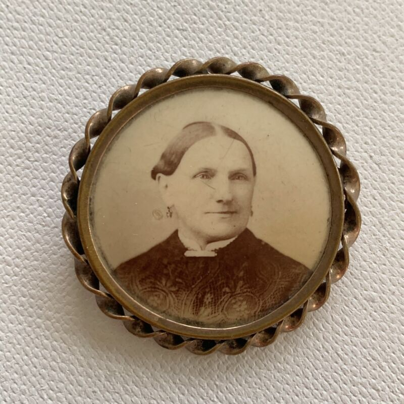 Antique Victorian Photograph Mourning Jewelry Brooch Pin Beautiful Mature Woman