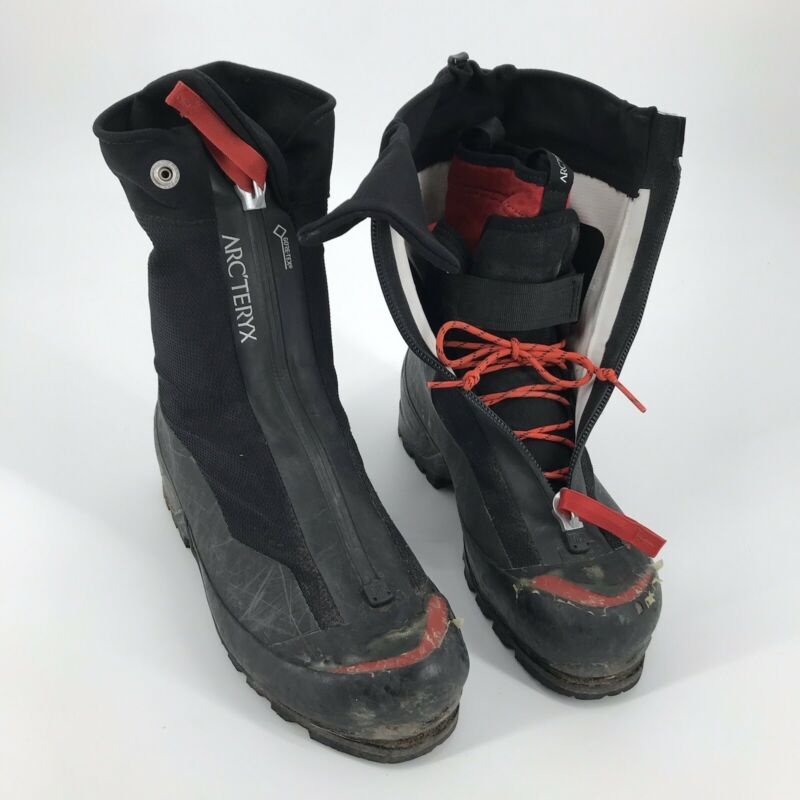 Arcteryx Acrux AR Mountaineering Mens Boots Size 9 Black & Red/Orange Used