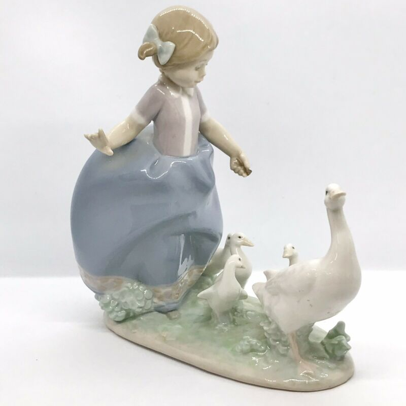 "Lladro Vintage 1987 Figurine #5503 ""Hurry Now"" Young Girl Herding Ducks Geese"