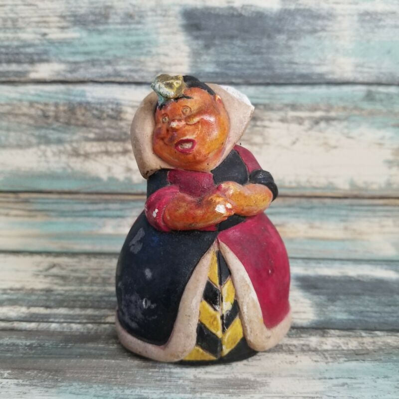 Vintage Disney Queen Of Hearts Chalkware Figurine Alice In Wonderland RARE