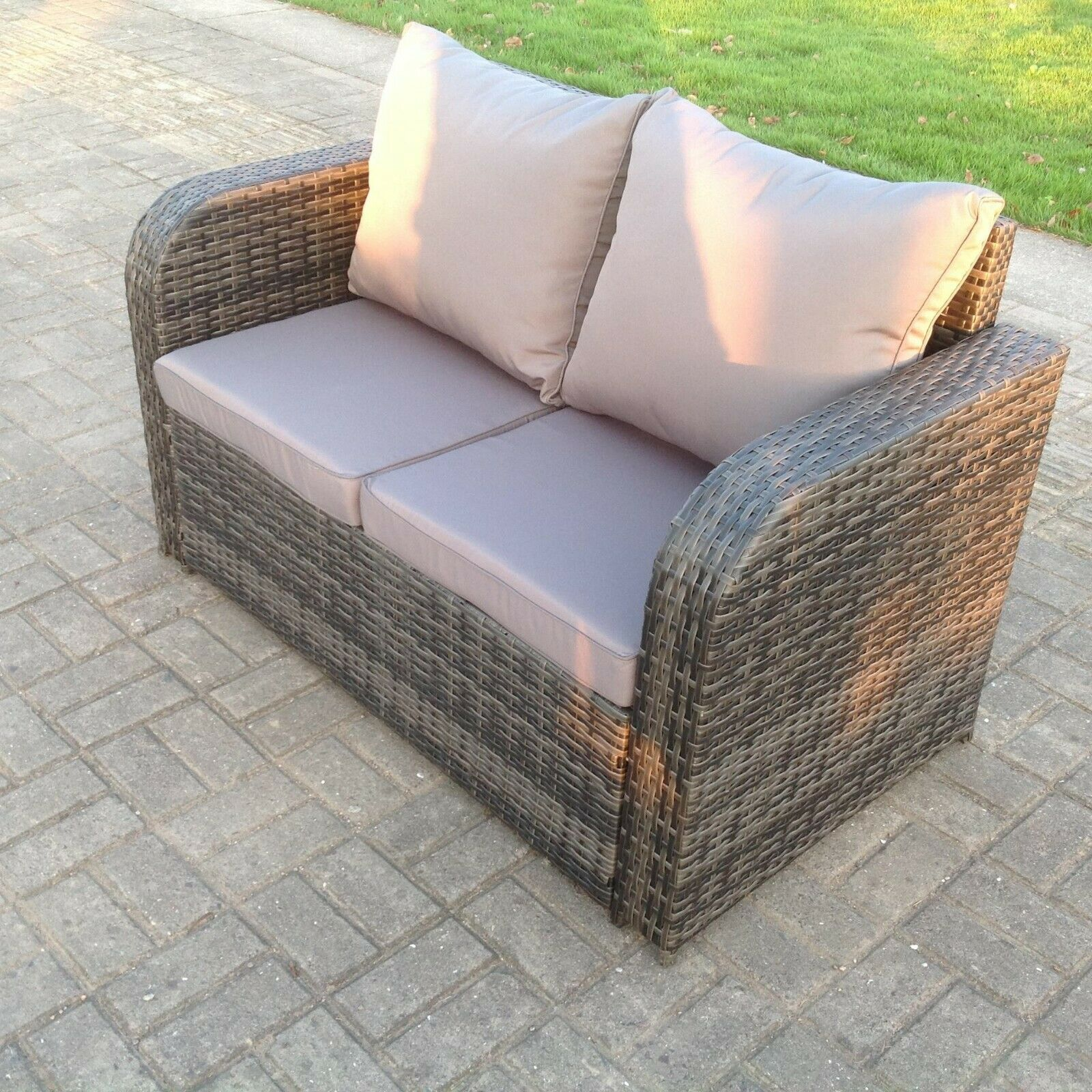 Garden Furniture - 2 Seater Curved Arm Rattan Sofa Patio Outdoor Garden Furniture With Cushion