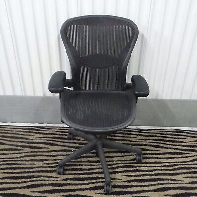 Herman Miller Aeron Mesh Office Desk Chair Medium Sz B Fully Adjustableloaded