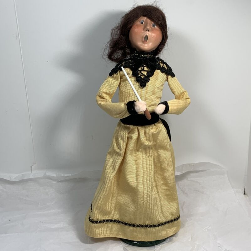 BYERS CHOICE Christmas Caroler FIGURINE Lady In Yellow Dress BLACK LACE 2008