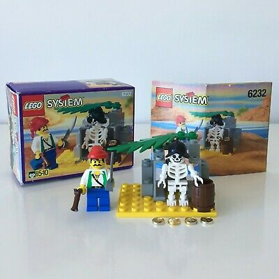 Vintage LEGO Pirates Set 6232 Skeleton Crew - 100% Complete + Instructions & Box