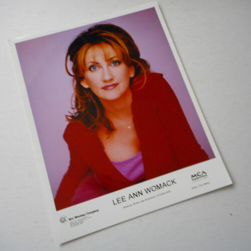 Lee Ann Womack Color Publicity Photo