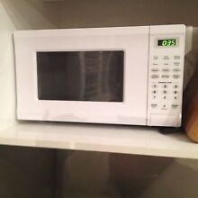 Microwave oven Merewether Newcastle Area Preview