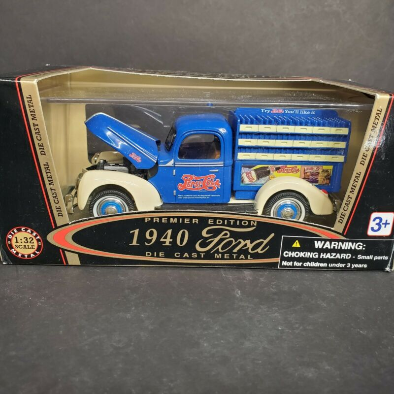 Golden Wheels 1940 Ford Pepsi Delivery Truck 1:32 Scale