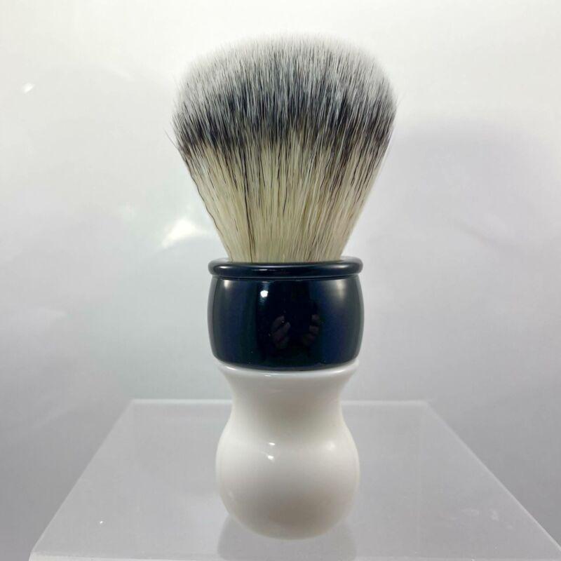 Sinatra Lennon Synthetic Shaving Brush (White/Black) - by DSCosmetic (Pre-Owned)