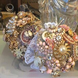Wedding boquets vintage brooches. Hand made.