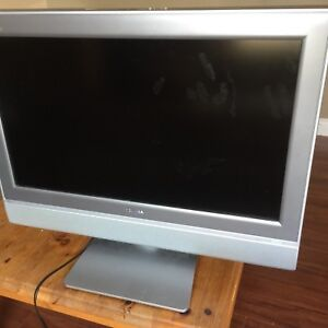 "28"" Toshiba Flat Screen TV"