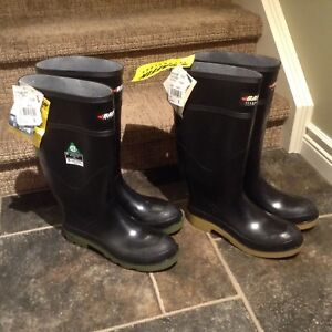Baffin Technology and Baffin Industrial boots NEW Size 9