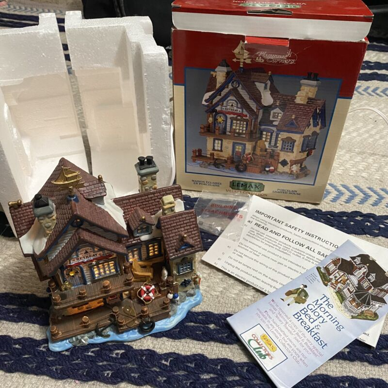 LEMAX Plymouth Corners HIDDEN COVE SEASIDE RETREAT Christmas Lighted House