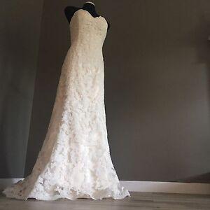 New, never worn Maggie Sottero designer wedding dress, sz: 16