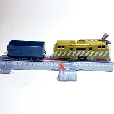(2009)DIESEL10 & TROUBLESOME 09) TRACKMASTER THOMAS THE TANK ENGINE TRAIN(WORKS