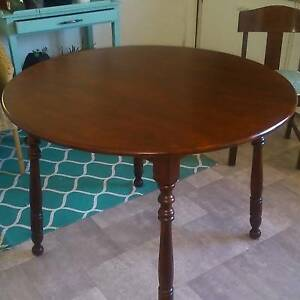Round Dining Table Room For 4