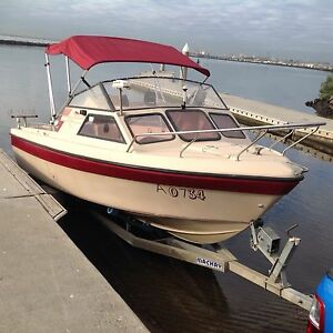 Boat kingfisher sierra 5.4 mtrs fiberglass Seaholme Hobsons Bay Area Preview