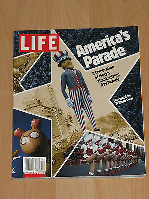 LIFE - AMERICA'S PARADE - A CELEBRATION OF MACY'S THANKSGIVING DAY PARADE