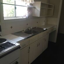 Small kitchen electric upright stove Darling Heights Toowoomba City Preview