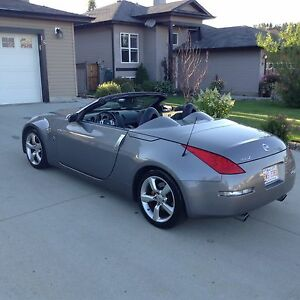 2008 350z Grand Touring roadster only 59km, full load, brembos