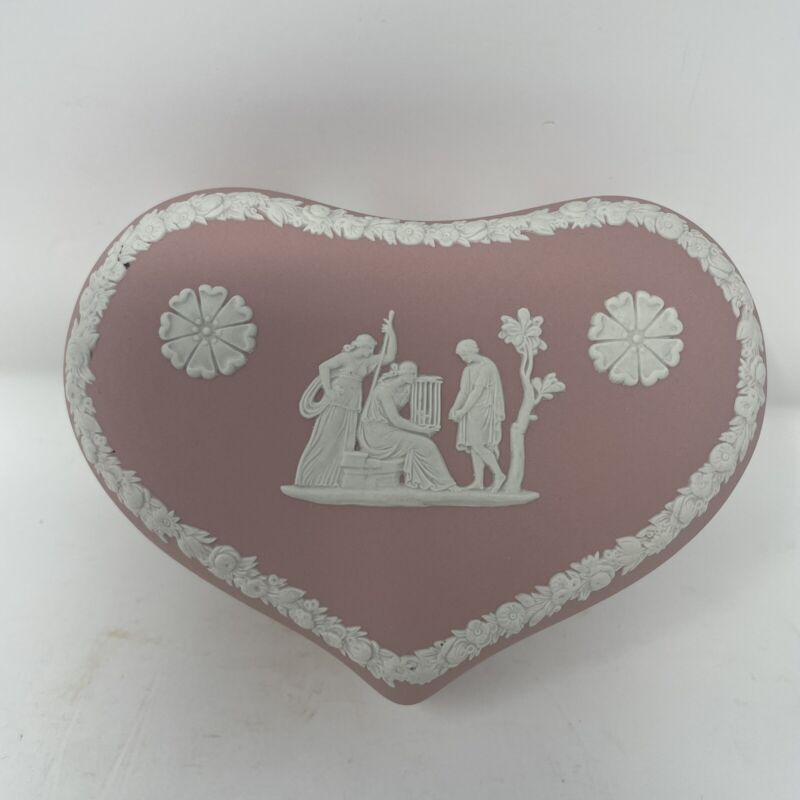 "Vtg. Wedgwood Pink Jasperware 5 1/4"" Heart Shaped Trinket Box With Lid Excellent"