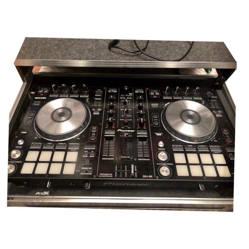 Pioneer DDJ-SR Digital DJ Controller & Odyssey Travel Case