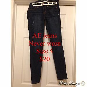 Size 4 AE jeans