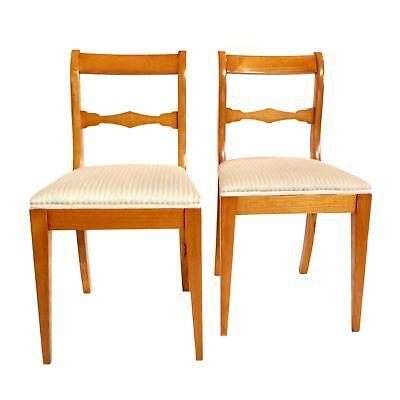Paar wohnfertige Biedermeier Stühle in Esche mit spitz zulaufenden Beinen, 1835