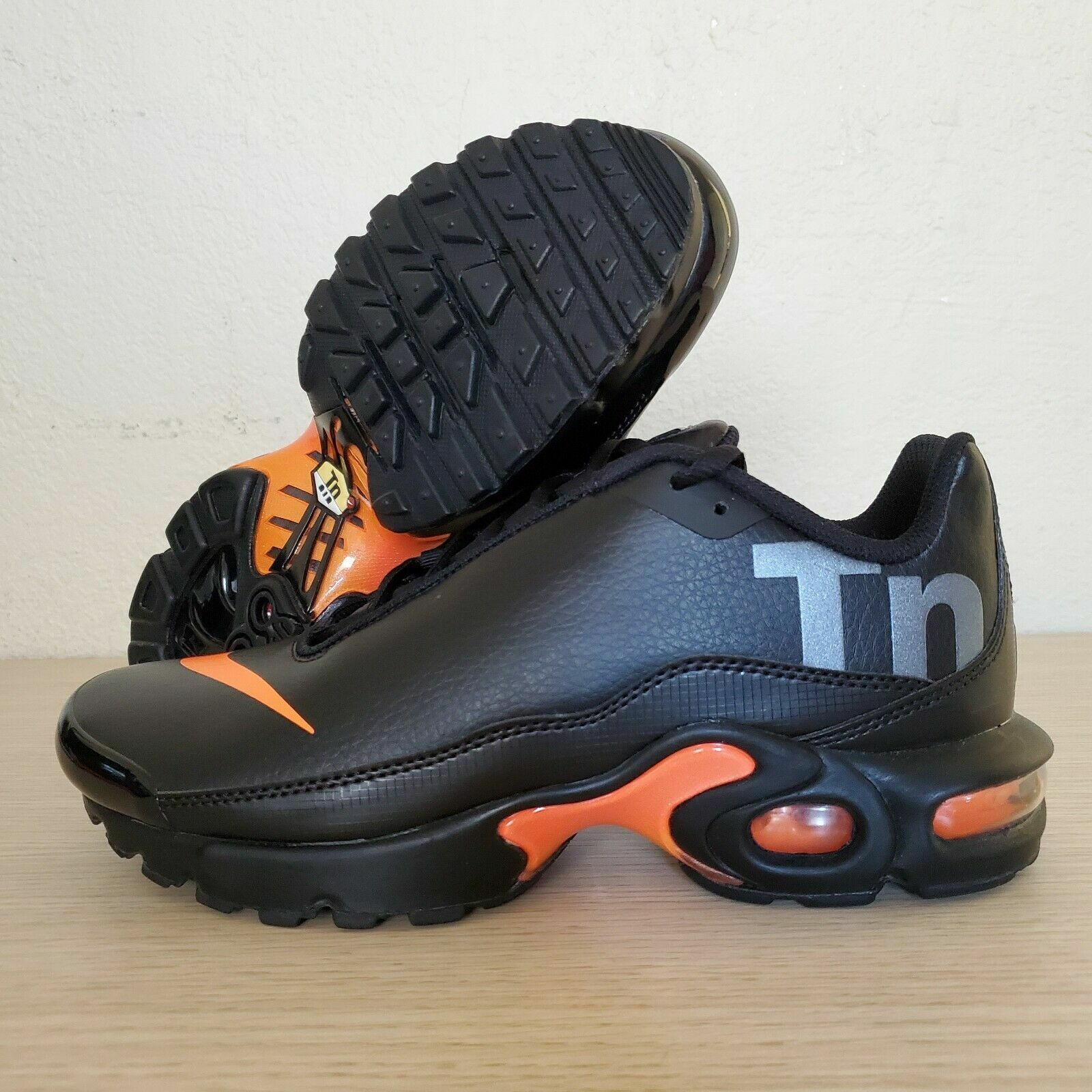 pretty nice f4e71 ea2b1 Details about Nike Air Max Plus TN (GS) SE BG Mercurial Black Orange  AR0005-001 Sz 6Y / 7W