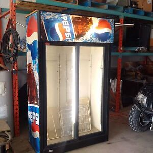 2 door glass door cooler