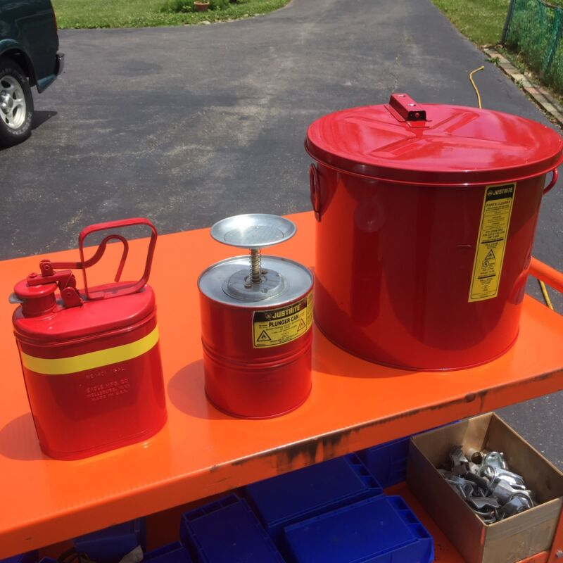 Justrite 27608 8 Gallon Dip Tank with 10308 Plunger Can 1 Gal, and 1401 1 Gallon