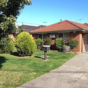 Mother and Daughter looking for Housemate/s Altona Meadows Hobsons Bay Area Preview