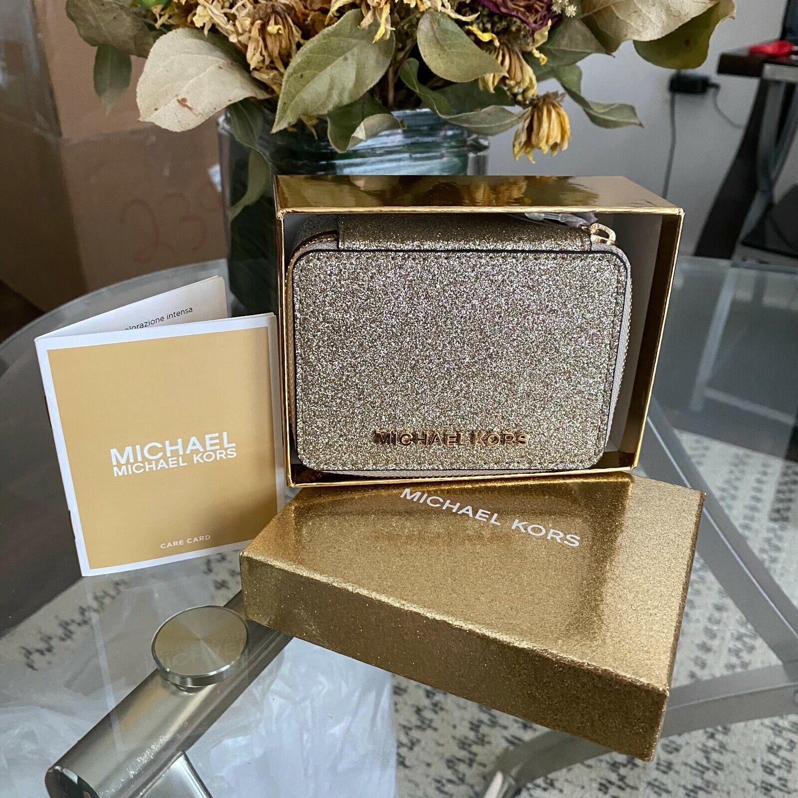 Michael Kors Giftables Diamond Dusted Zip Around Glitter Pil