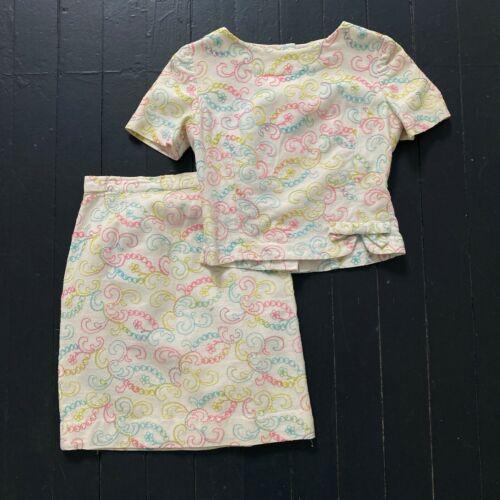 Vintage 1960s MOD Pastel Embroidered 2pc Shirt Blouse Mini Skirt Set XS