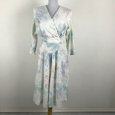 80s Dresses | Casual to Party Dresses Vintage 1980s Dress Multicolor Floral Lace Accent Pastel V-Neck Size M Party $33.25 AT vintagedancer.com