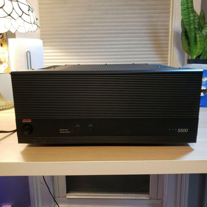 ADCOM 5500 2 Channel Power Amplifier. SUPER QUIET, FANTASTIC CONDITION