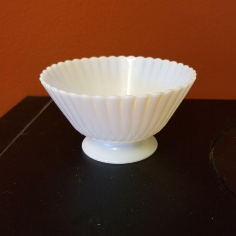 Macbeth Evans Petalware Monax White Opalescent Sherbet Dessert Bowl