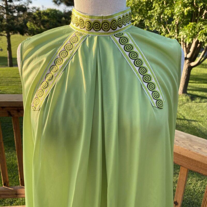 Vintage 60s Nightgown by Henson Kickernick M Mandarin Collar Green Ethnic Slvls