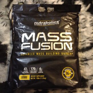 Mass fusion banana flavour ; protein to bulk up Champion Lakes Armadale Area Preview